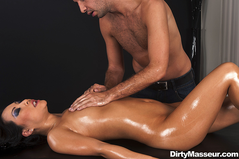 frække trusser tantra massage happy ending